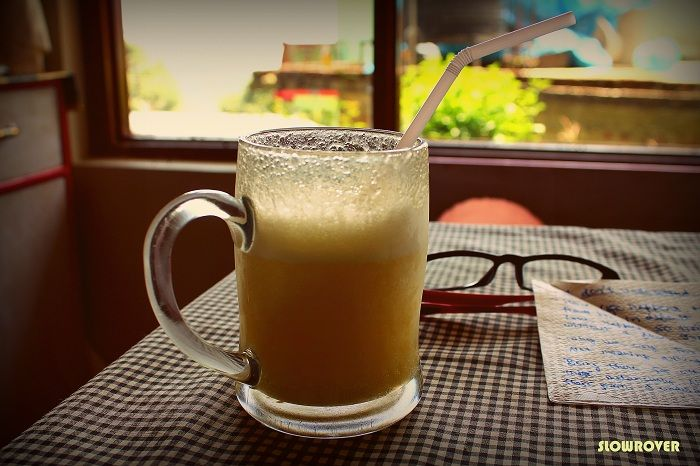 7._Freshly_Squeezed_Apple_Juice_at_Bhagsu